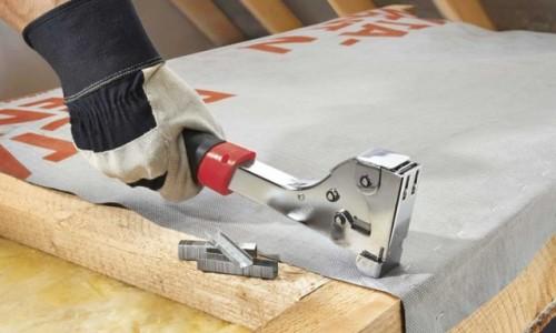 Применение строительного степлера
