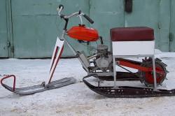 Снегоход из бензопилы, сделанный своими руками