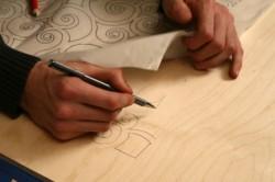 Нанесение чертежа на фанеру