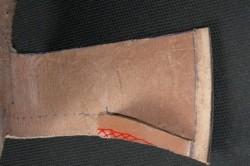 Рисунок 3. Приклейка клина к основной детали чехла